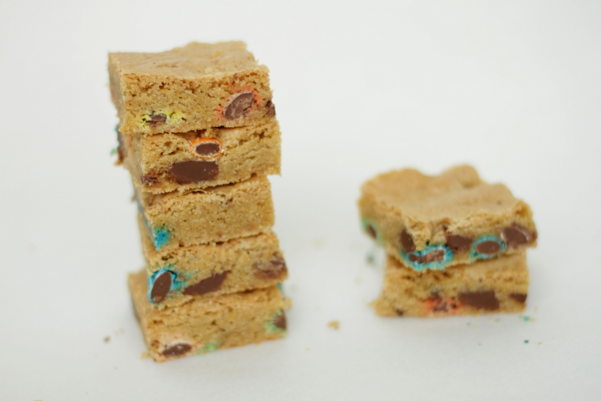 Brown Butter Blondies by Living on Cookies