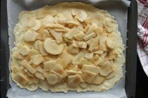 Apfelkuchen aus Topfenteig