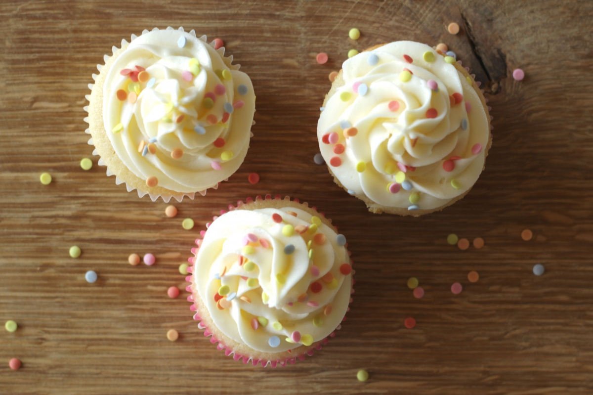 Cream Cheese Frosting Made from European Cream Cheese ~ Living on Cookies