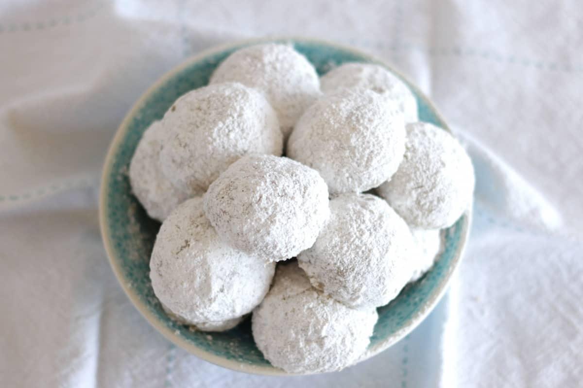 Chai Schneebälle ~ Living on Cookies