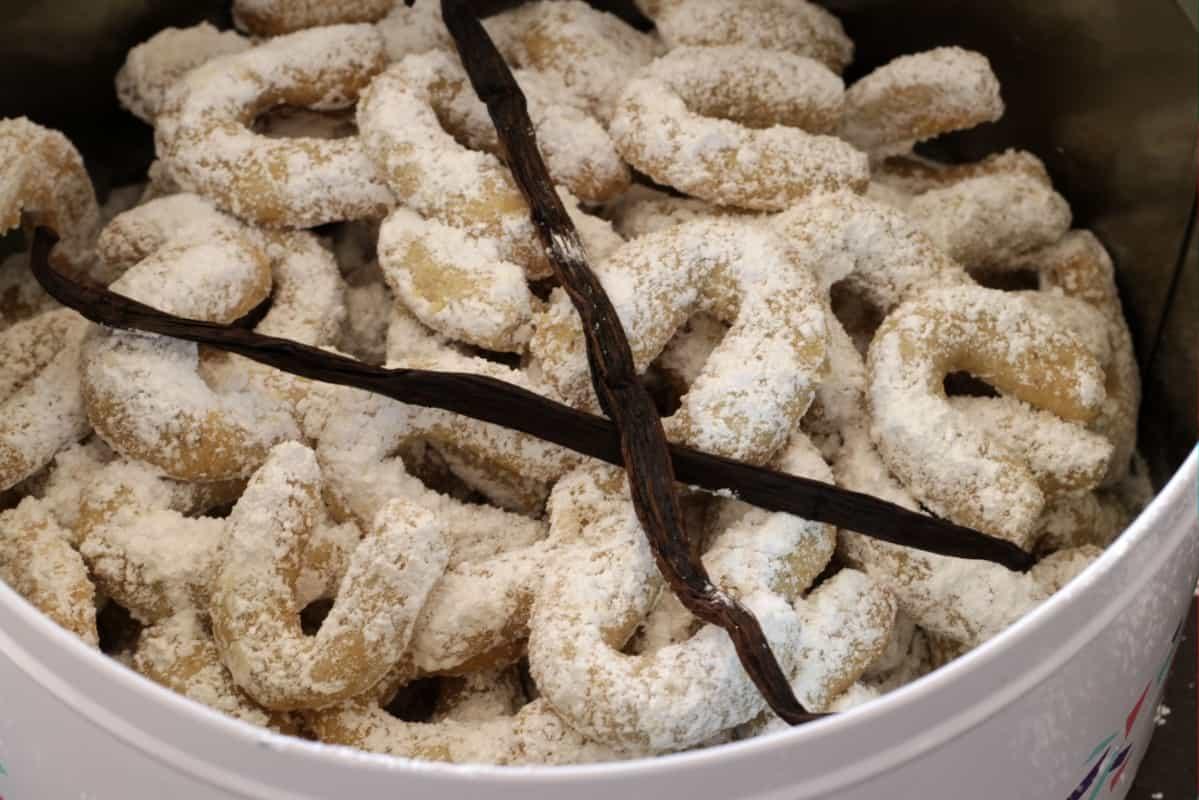 Austrian Vanilla Crescent Cookies Vanillekipferl