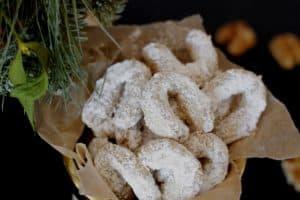 Austrian Vanilla Crescent Cookies (Vanillekipferl)