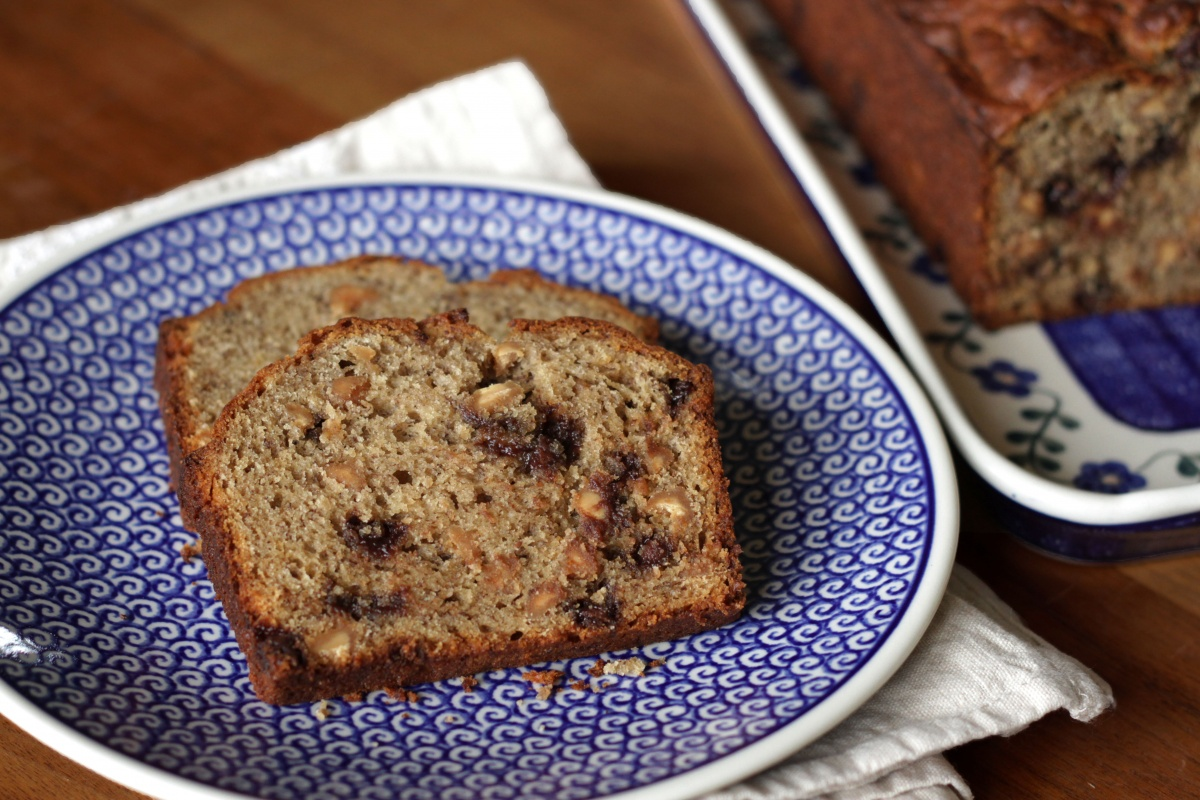 Peanut Butter Banana Bread ~ Living on Cookies