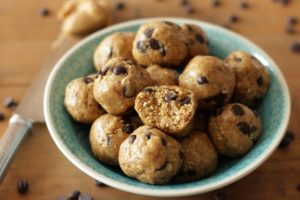 Gesunde Peanut Butter Cookie Dough Kugeln