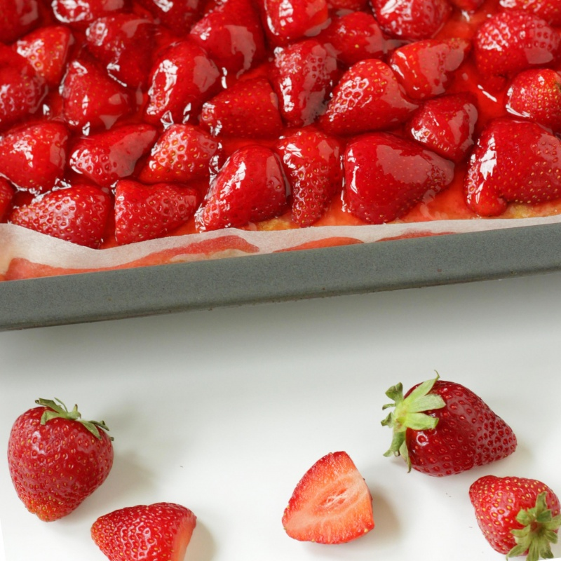 Classic Austrian Strawberry Sponge Cake is ready in no time and it disappears even faster. To serve, top cake slices with a dallop of whipped cream if you wish. Try this summery recipe!