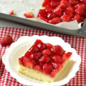 Austrian Strawberry Sponge Cake
