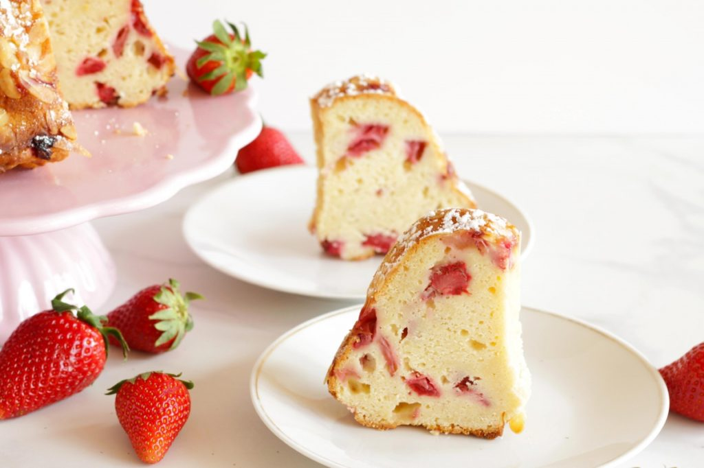 Moist, light and fresh, this Austrian Topfen & Strawberry Gugelhupf Cake is irresistable! If you love moist cakes full of aroma, you have to try this recipe!