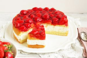 Topfen Torte with Strawberries